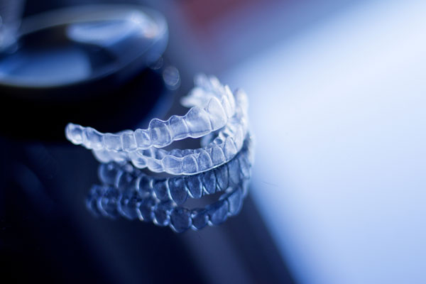 invisible-clear-aligners-dental-orthodontics
